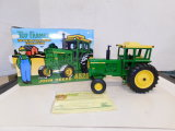 ERTL 1/16 TOY FARMER JOHN DEERE 4520 TRACTOR 2001 NFTS COLLECTOR EDITION