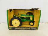 ERTL COLLECTIBLES 1/16 JOHN DEERE 620 TRACTOR LIMITED EDITION W/ BOX