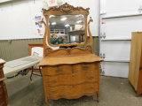 ANTIQUE OAK SERPENTINE 4 DRAWER DRESSER W/ MIRROR