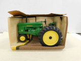 ERTL 1/16 JOHN DEERE 19953 MODEL 70 ROW CROP TRACTOR W/ BOX