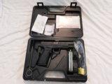 SPRINGFIELD ARMORY XD-40 .40 S&W CAL PISTOL - LIKE NEW