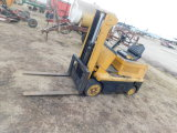 SMALL HYSTER FORKLIFT