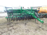 GREAT PLAINS SOLID STAND 20 20FT NO-TILL GRAIN DRILL W/ YETTER MARKERS