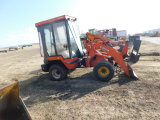 KUBOTA R520 COMPACT ARTICULATED END LOADER W/ QUICK ATTACH PLATE