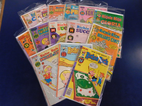 (15) RICHIE RICH COMIC BOOKS - HARVEY COMICS