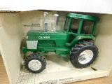 SCALE MODELS 1/16 SCALE OLIVER TRACTOR