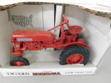 ERTL 1/16 SCALE McCORMICK FARMALL CUB TRACTOR
