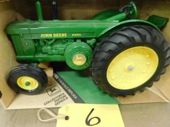 """ERTL 1/16 JOHN DEERE 1949/1954 MODEL """"R"""" TRACTOR"""