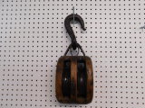 VINTAGE WOODEN DOUBLE PULLEY