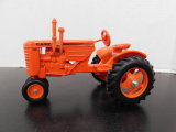 1/16 SCALE MODELS CASE VAC TRACTOR