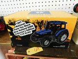 ERTL 1/16 NOVEMBER 1997 NATIONAL FARM TOY SHOW NEW HOLLAND 860 TRACTOR NIB