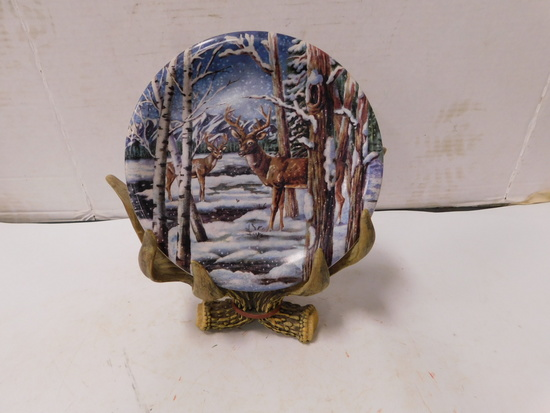 "8"" DECORATOR DEER PLATE W/ ANTLER PLATE STAND"