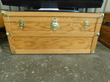 OAK FLOOR CHEST WITH GLASS TOP