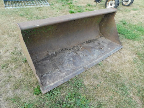 JOHN DEERE QUICK ATTACH LOADER BUCKET FOR 640 LOADER