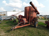 IH 1250 GRINDER MIXER W/ SIDE TABLE, FEED ROLLER & SCALE