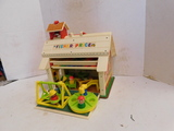 VINTAGE FISHER PRICE SCOOL HOUSE