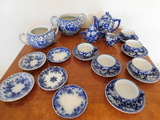 SMALL BLUE & WHITE CHILDS TEA SET & (5) INDIVIDUAL OPEN SALTS