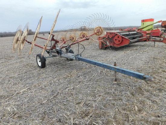 OMI 8 wheel pull type V rake, hyd lift