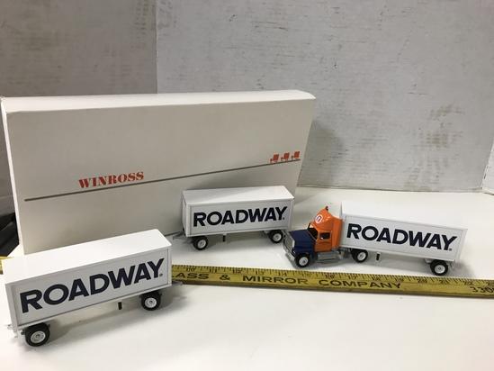 WINROSS 1/64 SCALE  ROADWAY TRIPLE TRAILERS SEMI