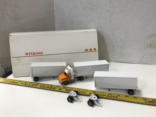 WINROSS 1/64 SCALE  YELLOW  TRIPLE TRAILERS SEMI