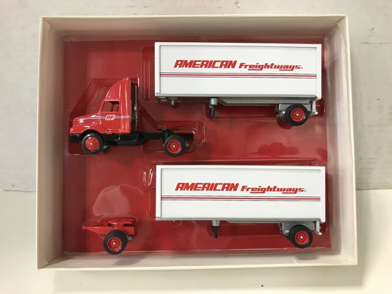 WINROSS 1/64 SCALE AMERICAN FREIGHTWAYS DOUBLE TRAILER SEMI