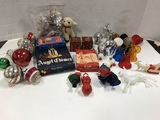 ASSORTED VINTAGE CHRISTMAS DECORATIONS