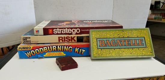 VINTAGE GAMES & WOODBURNING KIT