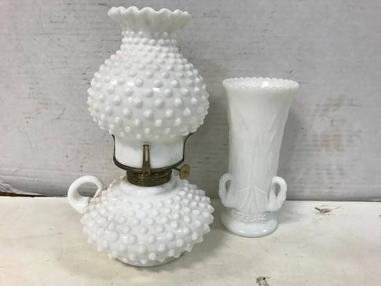 WESTMORELAND SWAN VASE & HOBNAIL OIL LAMP