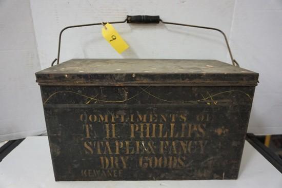 TIN T.H. PHILLIPS DRY GOODS - KEWANEE ILL. HANDLED BOX