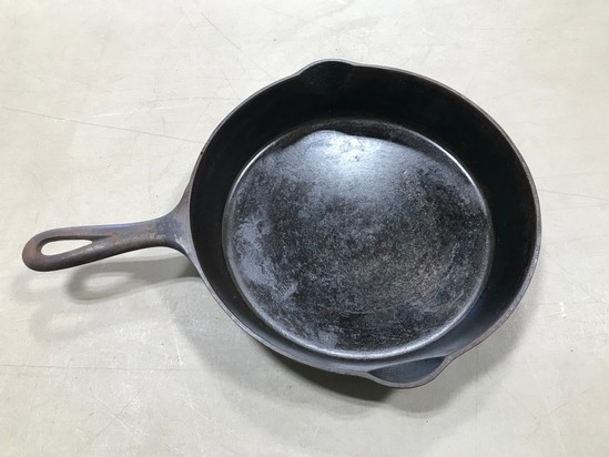 GRISWOLD #8 CAST IRON SKILLET