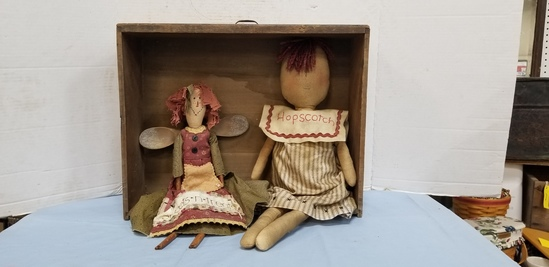 PRIMITIVE DRAWER W/DOLLS