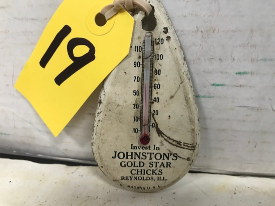 TIN TEAR DROP SHAPED JOHNSON'S GOLD STAR CHICKS REYNOLDS, IL THERMOMETER