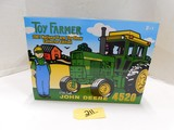 JOHN DEERE 4520 TRACTOR 2001 NATIONAL FARM TOY SHOW COLLECTOR EDITION 1:16 SCALE NEW IN BOX