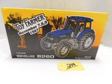 1997 NATIONAL FARM TOY SHOW NEW HOLLAND 8260 DIE CAST TRACTOR