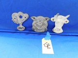 ASSORTED MOORMAN FEED COAT HOOKS