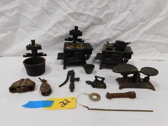 FLAT OF CAST IRON KITCHEN TOYS