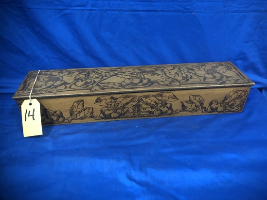 KNICKERBOCKER PYROGRAPHY WOOD HANKY / SCARF BOX
