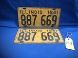 PAIR OF 1941 ILLINOIS LICENSE PLATES