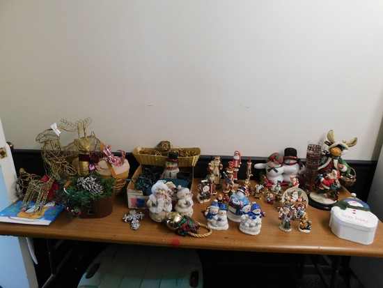 BULK LOT OF CHRISTMAS ITEMS