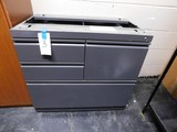 METAL 4 DRAWER FILE CABINET