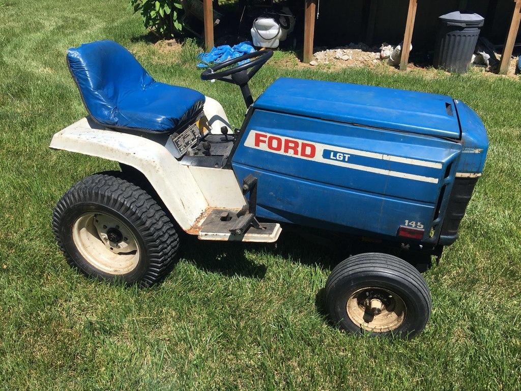 Ford 145 Garden Tractor W/Mower & Snow Plow Blade