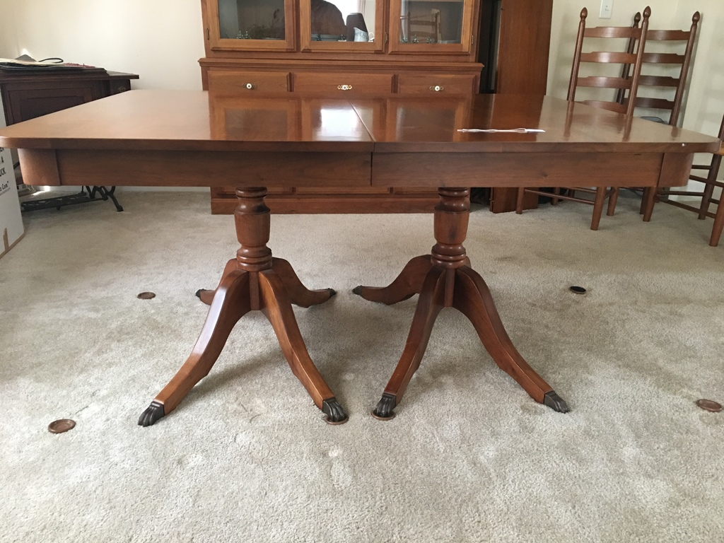 Amazing Solid Walnut Duncan Phyffe Style Dining Room Table W 3 Leaves