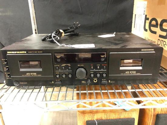 Marantz Cassette Deck SD 4050, it comes on and lights up.