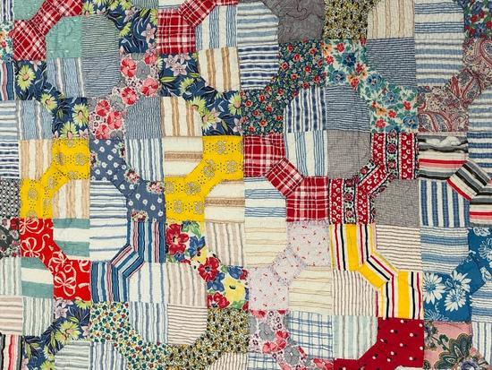 Free Form Vintage Traditional Design Pieced Patchwork Quilt.