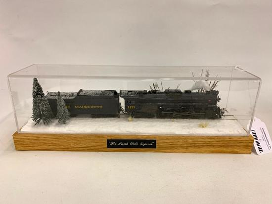 """HO Scale """"Pere Marquette 1225"""" Engine & Tender In Custom Case"""