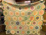 Vintage Hand Stitched Quilt In Dresden Plate Pattern