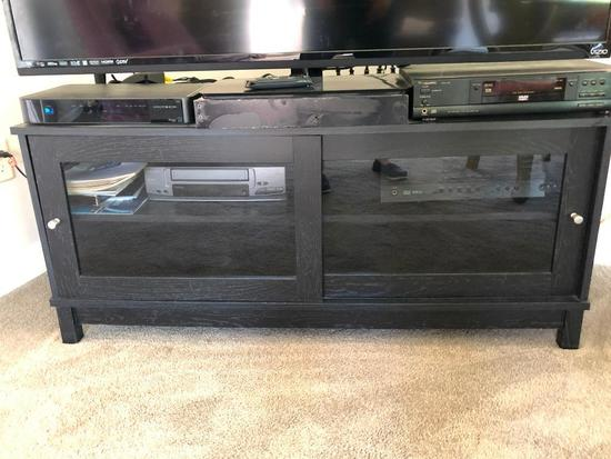Entertainment/TV Stand W/(2) Doors