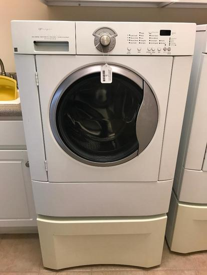 Frigidaire Gallery Series, Super Capaicty Front Load Washer, Working in the Home, Comes with Stand
