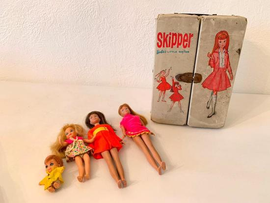 Vintage Dolls: (2) Skipper Dolls W/Carrying Case & Clothing Accessories