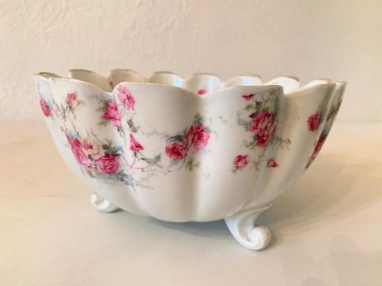 Vintage Porcelain Tri-Footed Bowl W/Red & Yellow Roses